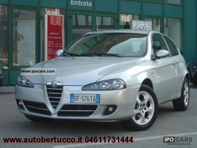 2007 Alfa Romeo  147 1.9 JTD (120) 3 porte progression Limousine Used vehicle photo