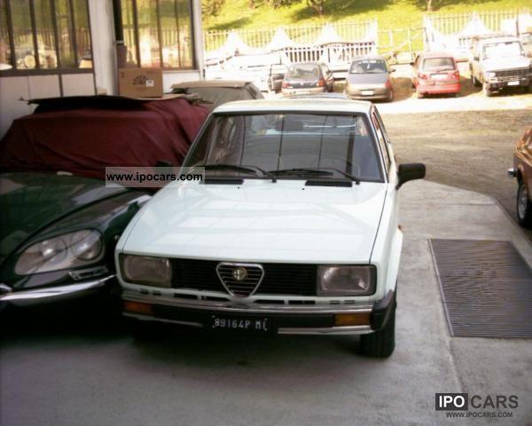 1982 Alfa Romeo  A.R. ALFETTA 6.1 BENZINA AZZURRA 1982 Limousine Used vehicle photo