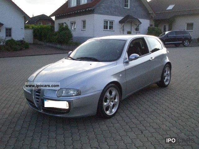 2001 alfa romeo 147 limited edition ti leather sonderm car photo and specs. Black Bedroom Furniture Sets. Home Design Ideas