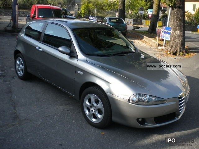 2006 Alfa Romeo  147 1.9 JTD (120) 3 porte Distinctive Limousine Used vehicle photo