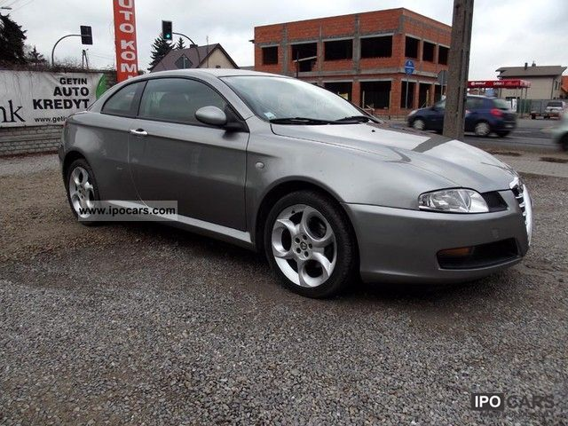 2004 alfa romeo gt jtd 150 km car photo and specs. Black Bedroom Furniture Sets. Home Design Ideas