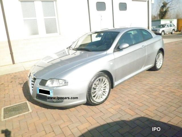 2004 Alfa Romeo  Luxury GT 1.9 16V MJT Sports car/Coupe Used vehicle photo