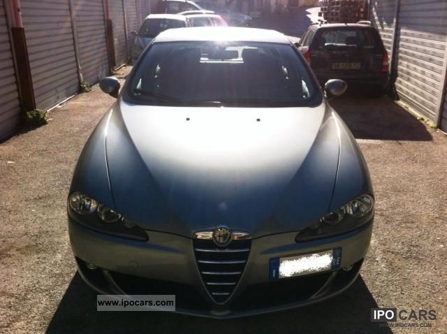Alfa Romeo  147 1.6 16V TS 5 porte Distinctive 2005 Liquefied Petroleum Gas Cars (LPG, GPL, propane) photo
