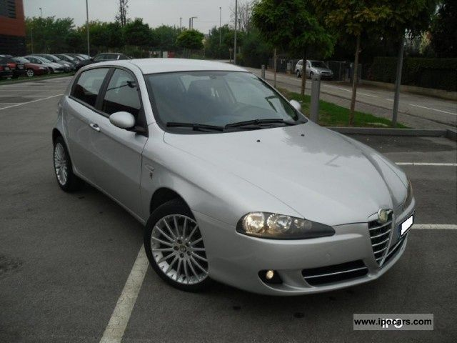 2008 Alfa Romeo  147 1.9 JTD 120CV 5 PORTE EXCLUSIVE Limousine Used vehicle photo