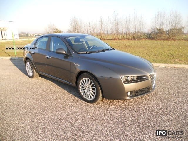 2007 Alfa Romeo 159 1.9 JTDm distinctive Limousine Used vehicle photo