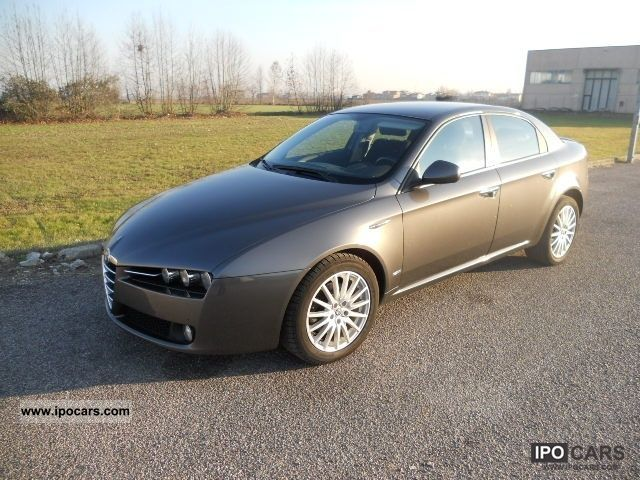 2007 alfa romeo 159 1 9 jtdm distinctive car photo and specs. Black Bedroom Furniture Sets. Home Design Ideas