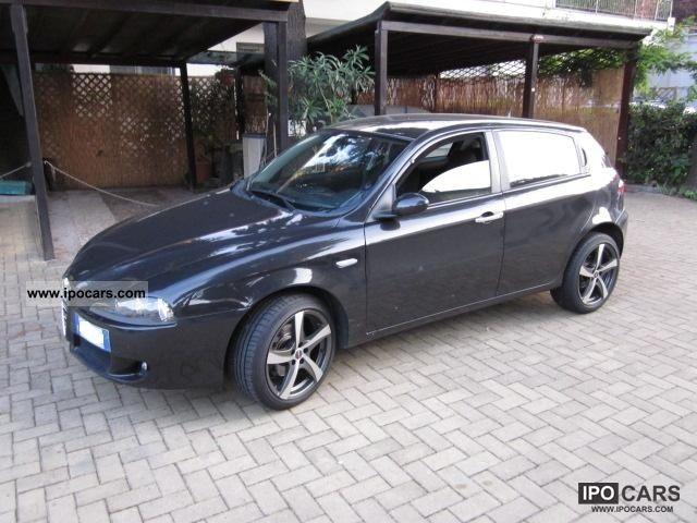 2006 alfa romeo 147 1 6 16v ts 5 porte distinctive car photo and specs. Black Bedroom Furniture Sets. Home Design Ideas