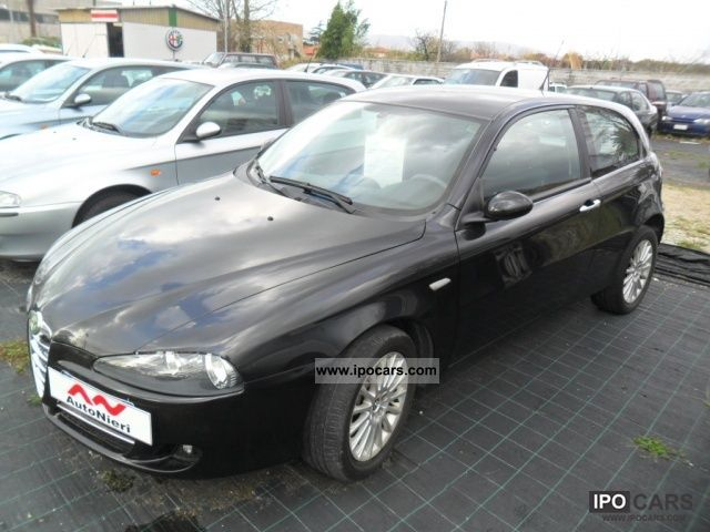 2007 Alfa Romeo  147 1.6 16V TS (105) 3 porte Distinctive Limousine Used vehicle photo