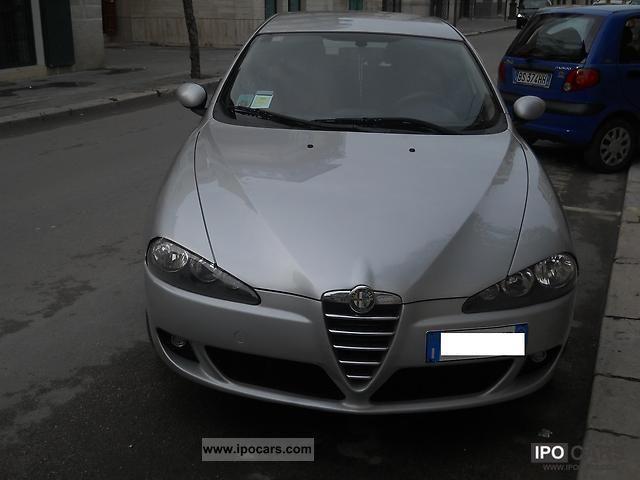 2005 Alfa Romeo  147 1.9 JTD Distinctive Sports car/Coupe Used vehicle photo