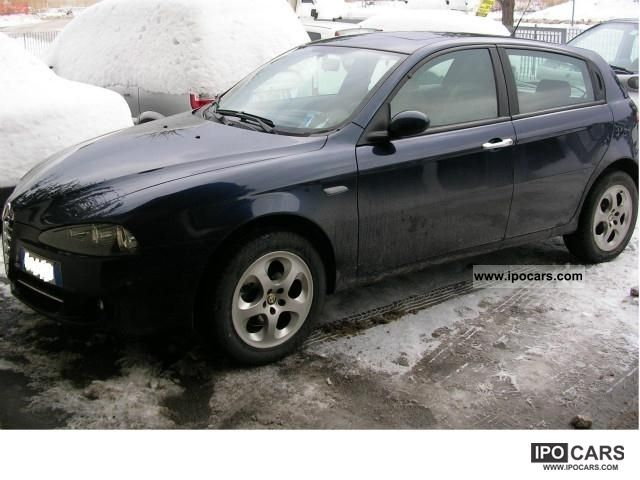 2008 Alfa Romeo  Alfa 147 1.9 JTD sensory park tettino Limousine Used vehicle photo