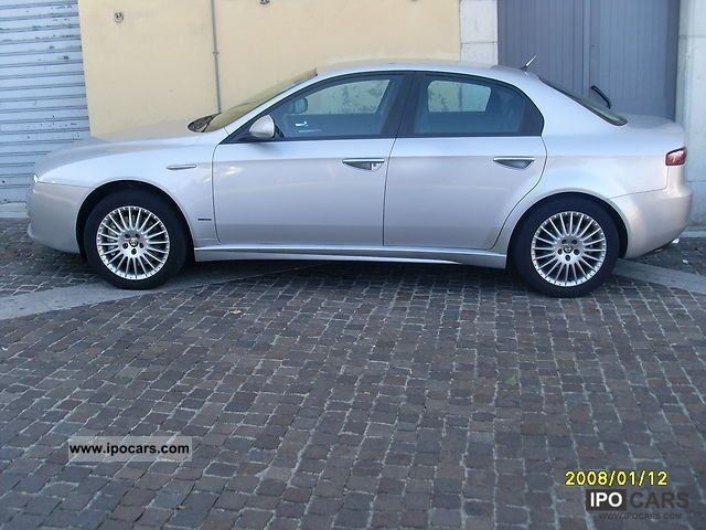 2005 alfa romeo 159 2 distinctive 200cv car photo and specs. Black Bedroom Furniture Sets. Home Design Ideas