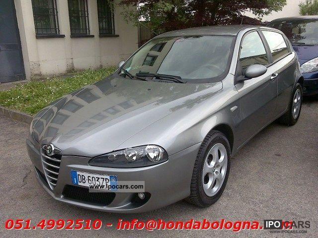 2006 Alfa Romeo  147 1.9 JTDm 5p progression Limousine Used vehicle photo