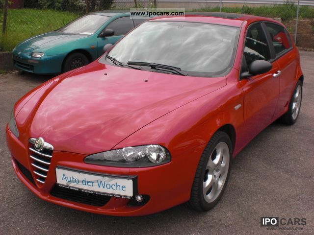 2006 Alfa Romeo  147 1.6 (very neat) / sunroof Limousine Used vehicle photo