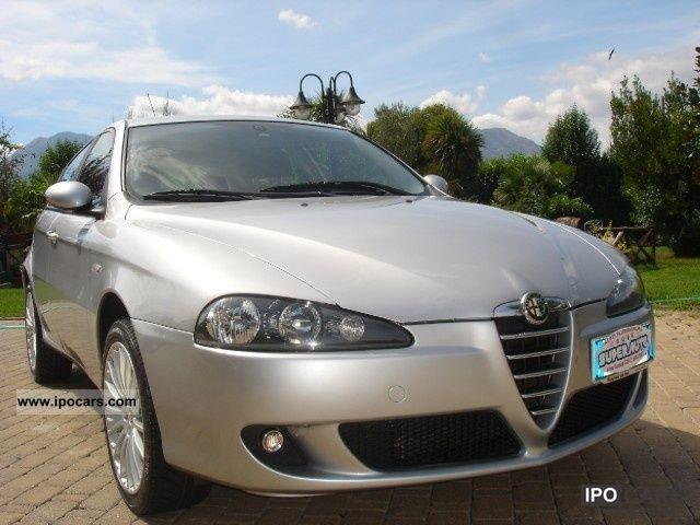 2006 Alfa Romeo  147 1.9 PELLE / BOSE / CERCHI 17 \ Limousine Used vehicle photo