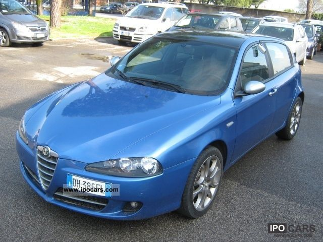 2007 Alfa Romeo  147 1.9 JTD M-JET 16V 5 porte Dist. Limousine Used vehicle photo
