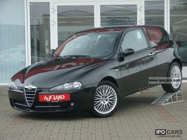 2008 Alfa Romeo  147 1.6i 16V ALU Sportiva climate 3-door Euro4 Limousine Used vehicle photo