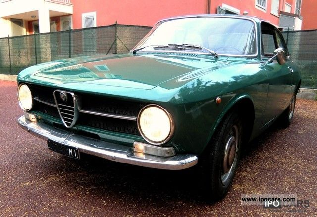Alfa Romeo  GT Junior 1300 del 1971 1971 Vintage, Classic and Old Cars photo