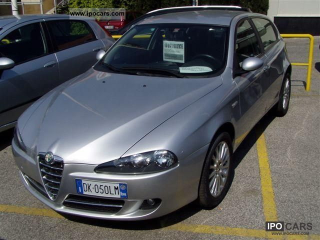 2007 alfa romeo 147 1 9 jtd 150cv 5pt distinctive car photo and specs. Black Bedroom Furniture Sets. Home Design Ideas