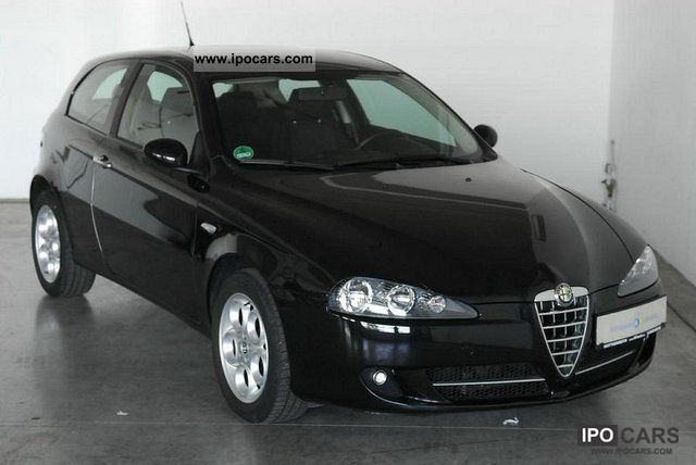 alfa romeo vehicles with pictures page 11. Black Bedroom Furniture Sets. Home Design Ideas