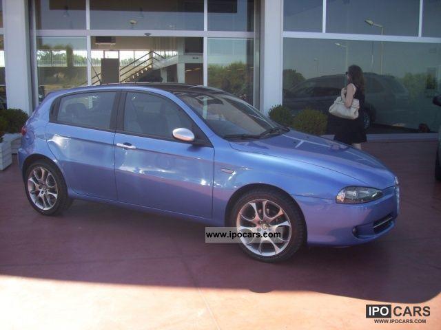 2007 Alfa Romeo  MJT 147 1.9 150 CV 5P VERSION BLACK-LINE Limousine Used vehicle photo