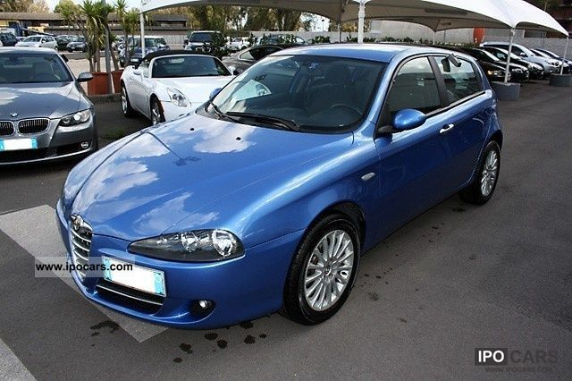 2007 alfa romeo 147 1 9 jtdm distinctive car photo and specs. Black Bedroom Furniture Sets. Home Design Ideas