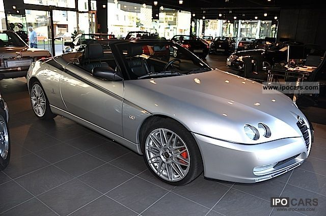 2004 Alfa Romeo  Alfa Spider 2.0 JTS, 1 a state, Cabrio / roadster Used vehicle photo