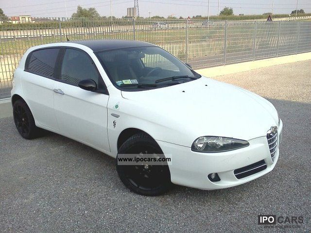 2008 Alfa Romeo  147 CNC 1.9JTDm 120cv 8v Bianco Opaco Sports car/Coupe Used vehicle photo