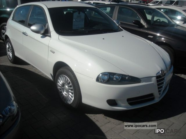 2010 Alfa Romeo  147 1.9 JTD (120) 5 porte Moving Limousine Pre-Registration photo