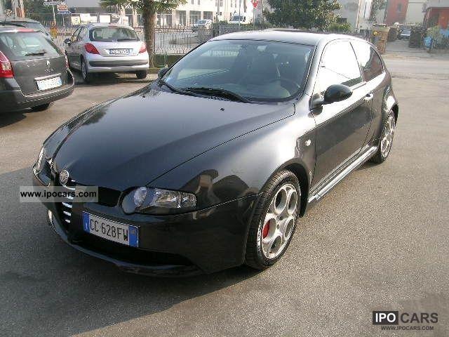 2002 Alfa Romeo  147 3.2i V6 24V GTA porte cat 3 Limousine Used vehicle photo