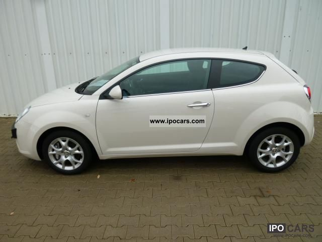 2011 Alfa Romeo  MiTo 1.4 Turbo Distinctive climate control, Le ... Small Car New vehicle photo