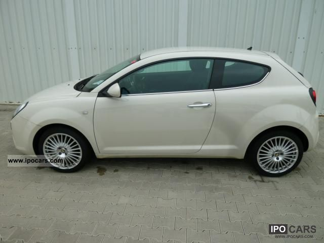 2011 Alfa Romeo  MiTo 1.4 Turbo 2-zone Klimaautom Distinctive ... Small Car New vehicle photo