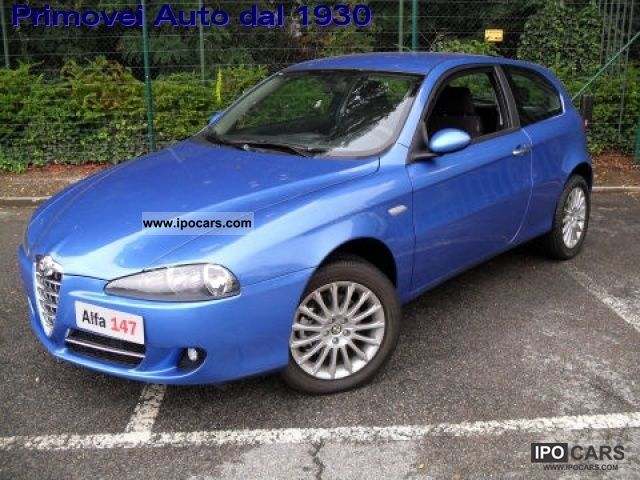 2011 Alfa Romeo  147 1.9 JTD (120) 3 porte Disctintive Limousine New vehicle photo