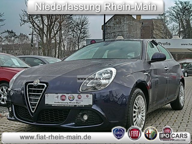 2011 Alfa Romeo  1.6 JTD Turismo Giulietta 105hp (air-xenon) Limousine Used vehicle photo