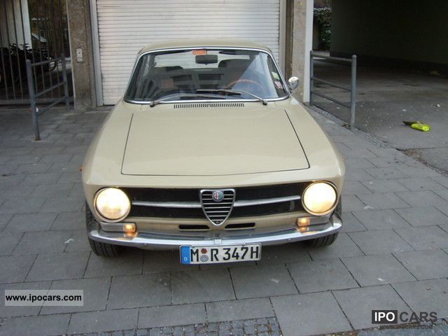 1972 Alfa Romeo  GT Sports car/Coupe Classic Vehicle photo