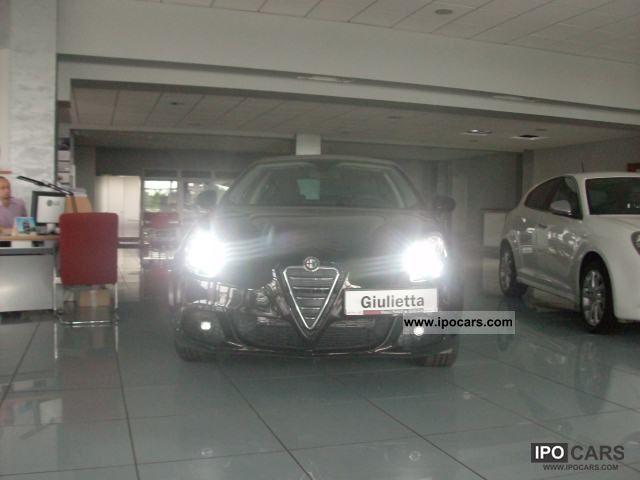 2011 Alfa Romeo  Giulietta 1.4 120km S & S Q2 Distinctive Sports car/Coupe New vehicle photo