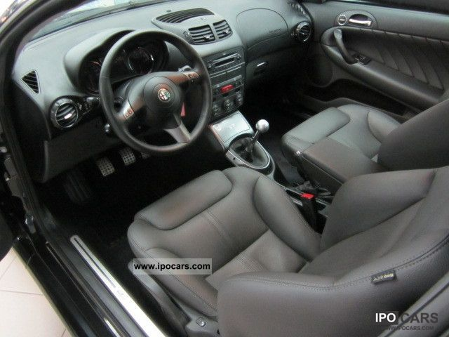 2009 Alfa Romeo Gt 2 0 Jts Distinctive Car Photo And Specs