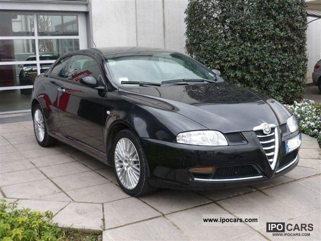 2008 alfa romeo gt 1 9 jtdm 150 cv distinctive car photo and specs. Black Bedroom Furniture Sets. Home Design Ideas