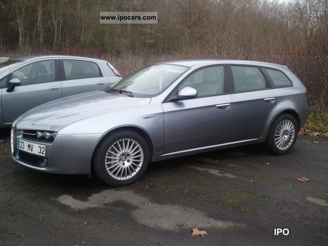 2008 alfa romeo 159 sw 2 4 jtdm 210 distinctive car photo and specs. Black Bedroom Furniture Sets. Home Design Ideas
