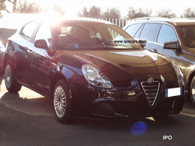 2011 Alfa Romeo  Giulietta 6.1 JTDm progression CV-2105 Limousine Used vehicle photo