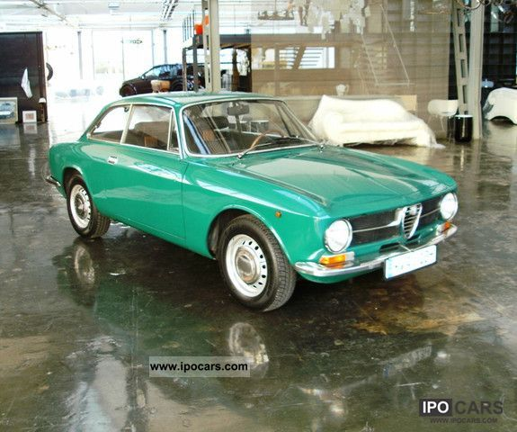 Alfa Romeo  GT 1300 Junior 1971 Vintage, Classic and Old Cars photo