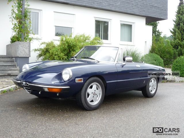 1974 Alfa Romeo  2000 Spider Veloce Cabrio / roadster Classic Vehicle photo