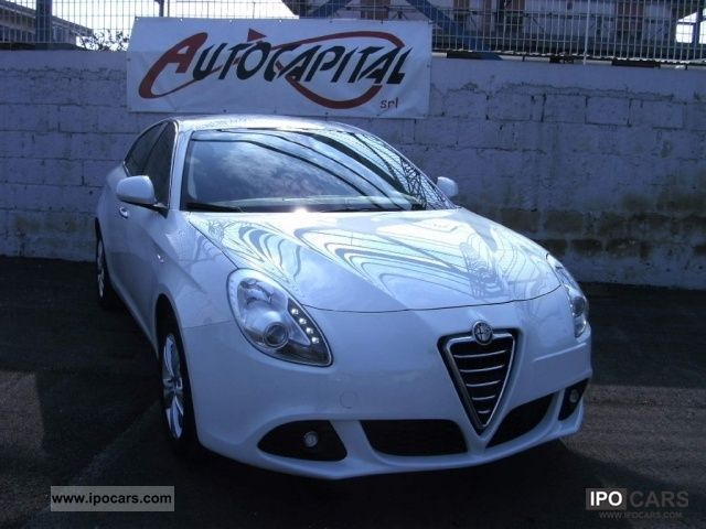 2011 Alfa Romeo  Giulietta 6.1 JTDm Distinctive CV-2105 [14] Limousine Used vehicle photo