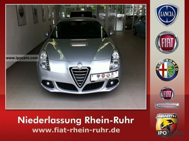 2010 Alfa Romeo  Giulietta 1.4 TB MultiAir 16V Turismo Limousine Used vehicle photo