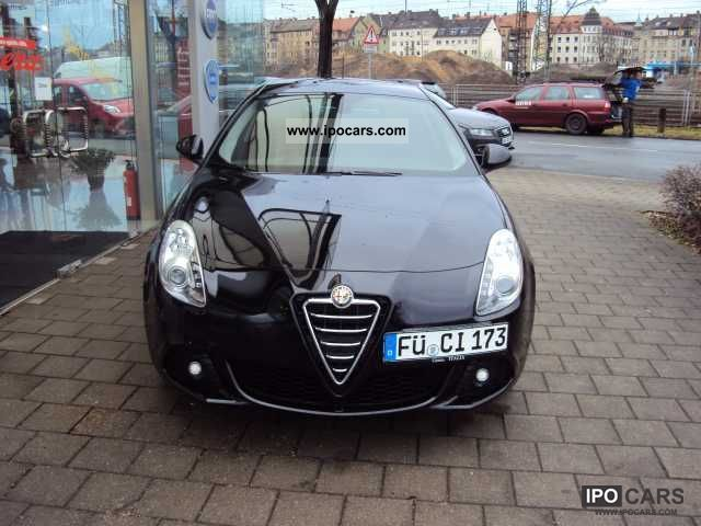 2010 Alfa Romeo  Giulietta 1.4 TB 16V Turismo Small Car Demonstration Vehicle photo