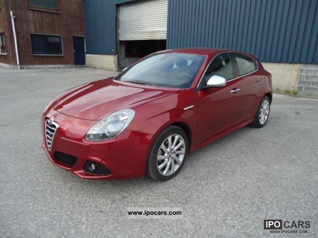 2010 Alfa Romeo  Giulietta Limousine Used vehicle photo