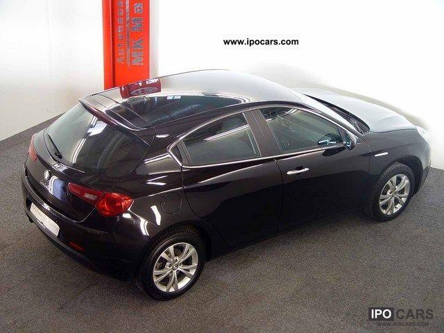 2010 Alfa Romeo  Giulietta 1.4 TB MultiAir 16V Turismo Start & Stop Limousine Employee's Car photo