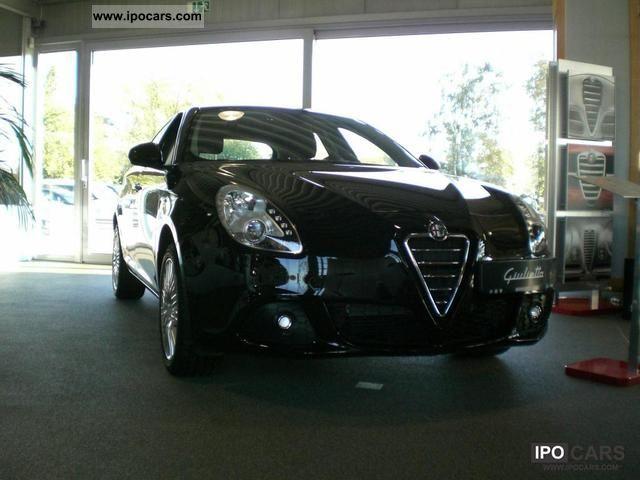 2011 Alfa Romeo  Giulietta 1.4 TB 16V Turismo Limousine Used vehicle photo