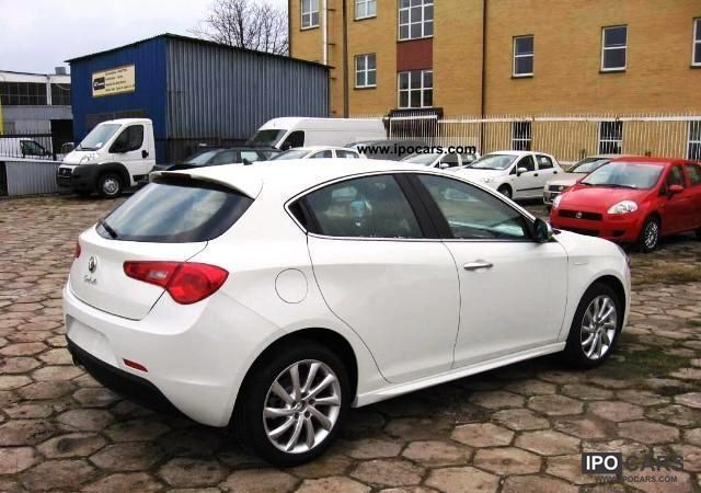2011 alfa romeo giulietta 1 4 tb multiair 16v 125 kw 170 hp car photo and specs. Black Bedroom Furniture Sets. Home Design Ideas