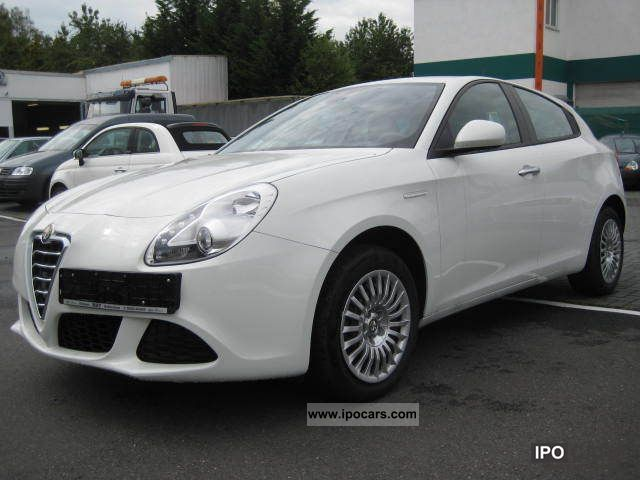 2011 alfa romeo giulietta 1 4 tb progression car photo and specs. Black Bedroom Furniture Sets. Home Design Ideas