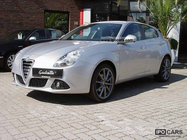 2010 Alfa Romeo  Giulietta 1.4 TB 16V 125KW MultiAir Turismo TOP! Limousine Employee's Car photo